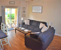 4 Bed Premium Upgraded home close to Pool