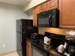 Fully Equip Kitchen with Microwave - Dishwasher - Full Size Fridge Freezer - Stove with Oven