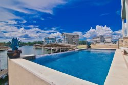 *New Rental* Harbor House Located Inside The Legends Gated Community - Pet Friendly, Swimming Pool, Boat Dock with Lift
