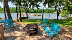 The Oak House - Lake LBJ'S Best Kept Secret!