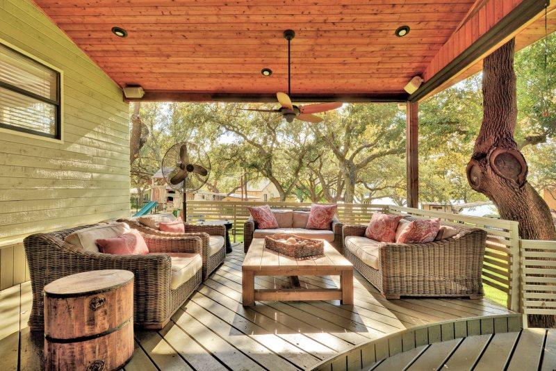 Shady Grove Luxury Vacation Rental On Lake LBJ - Outdoor