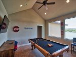 Game Room: 55in Smart TV, Blu-Ray DVD, Pool Table