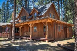 #307 LUNDY LANE   Gorgeous Cedar Cabin with Apartment over the garage $370.00 - $425.00 BASED ON DATES AND NUMBER OF NIGHTS (plus county tax, SDI, Cleaning Fee and processing fee)