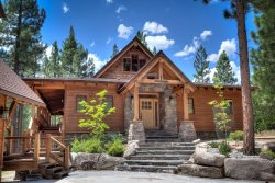 #343 BIG GRIZZLY ROAD   Outstanding Home in Grizzly Ranch with Apartment over the garage $400.00 - $450.00 BASED ON DATES AND NUMBER OF NIGHTS (plus county tax, SDI, Cleaning Fee and processing fee)