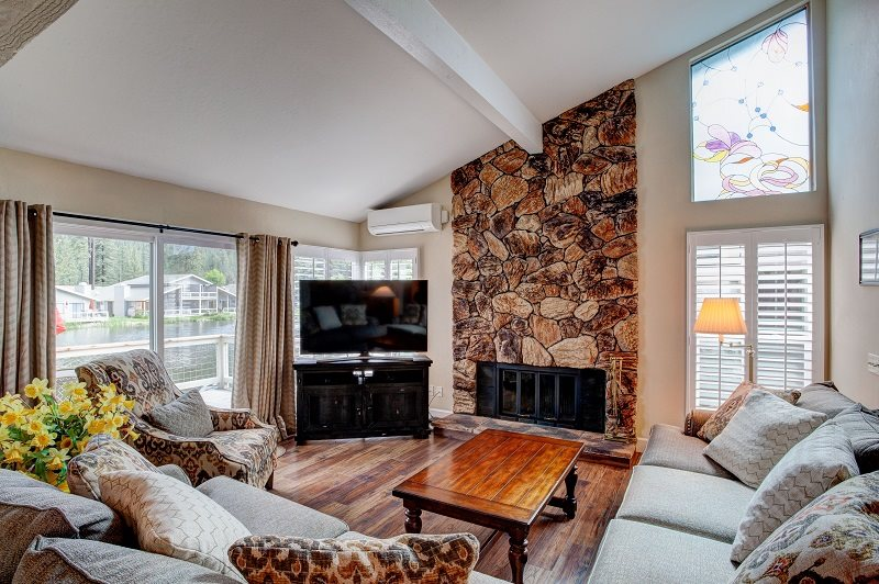 Beautifully furnished living room with all new furniture and T.V. & 24 Aspen Circle| Plumas Pines Vacation Homes and Rentals