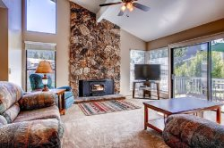 #48 ASPEN $215.00-$240.00 BASED ON DATES AND NUMBER OF NIGHTS (plus county tax, SDI, Cleaning Fee and processing fee)