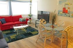 Beautiful Vacation Condo-New Hardwood Floors 02-107