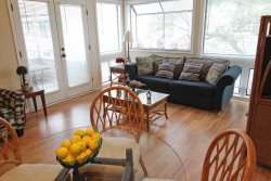 Awesome Vacation Condo-2 Pools, 1 Block to beach. 11-343