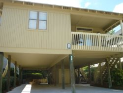 Awesome Cottage - 1 block to the beach & 1/2 block to Salt Water Inlet & Marsh. GC 39-G