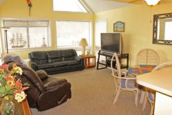 Great Vacation Condo - Just 2 blocks to longest Pier on the Coast 18-369