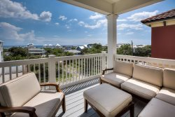 Beautiful 30A Vacation Home in Inlet Beach with Gulf Views + Beach Chairs + Pool + FREE BIKES!