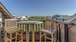 'Blue Oak' Rosemary Beach Luxury Condo with amazing Rosemary town views + FREE BIKES!