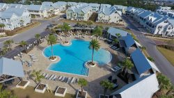Mamma Mia - Zero Entry Resort Pool, The Hub Entertainment District, Free Bikes, Tram to Beach, Garage