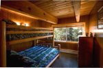 Upstairs Bedroom, Full/Twin Bunk