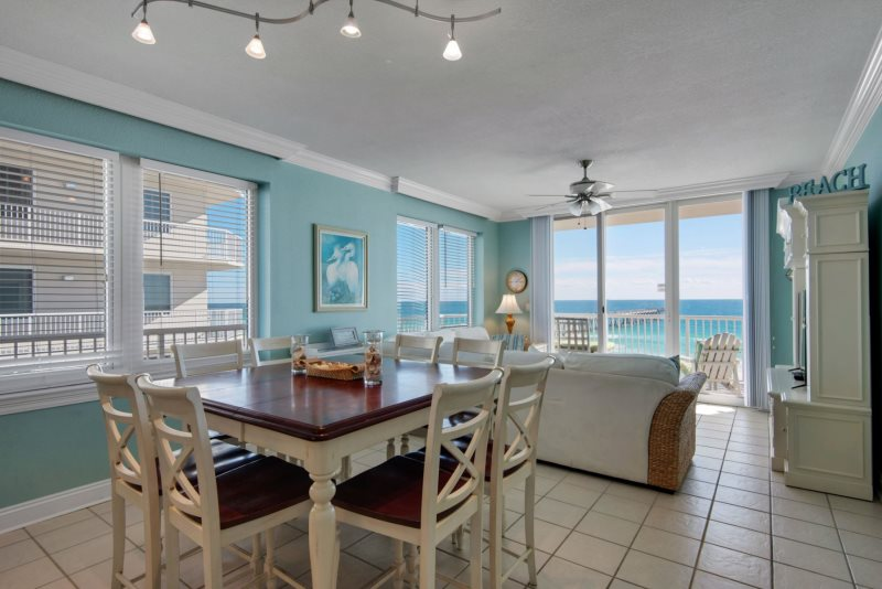 Summerwind Resort Condo Navarre FL Living Room