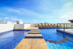 1 Block to Beach, Ocean View Rooftop Pool - Klem 103