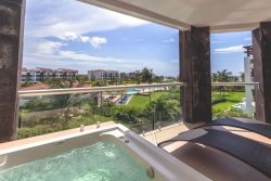 Condo Buena Vida - Ocean View, Beach Front Nick Price Golf Course Luxury Condo Rental