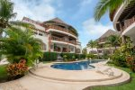 Contemporary Luxurious Hideaway 5 Blocks from the Beach - Xaman 104