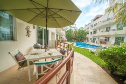 Ground Floor, Pool Side Condo with Private Patio - Luna Enamorada
