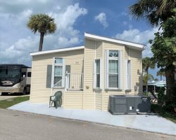 Awesome 2 Bedroom 2 Bath Beach Home 4 Month Min During Season
