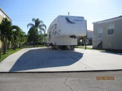 Beautiful RV Lot located on the Boulevard Accommodate 45 ft RV