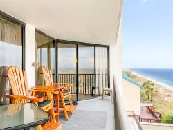 Oceanfront Retreat with Shared Pool, Hot Tub & 2 Beach Chairs