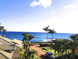 Hale Pohaku Kai: Ocean View Home Along The Sunset Wall