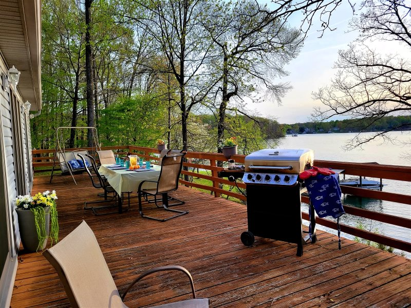Under Cover Slip Waterfront Vacation Rental Near The Smith Mountain Lake Dam