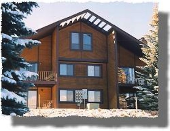 Red Pine Condos - beautiful setting