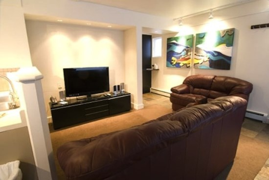 Spacious Living Room with Flatscreen TV