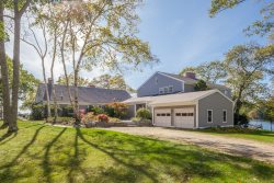 *NEW FOR 2020!* Spacious, Waterfront Family House on Private Hockomock Point in Bremen
