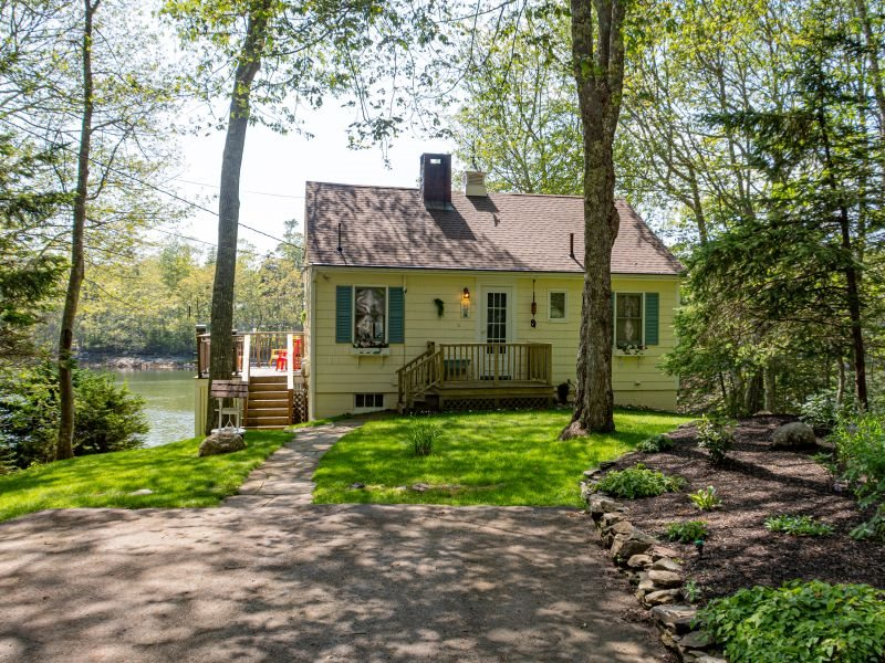 dash inn east boothbay maine cove side water views cottage rh cottageconnection com pet friendly cottages in york maine pet friendly cottages in maine near the water