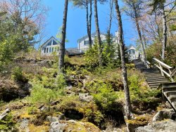 A LUCKY CAST ON WESTPORT ISLAND - Modern Family Home on the Sheepscot River in a Quiet Location