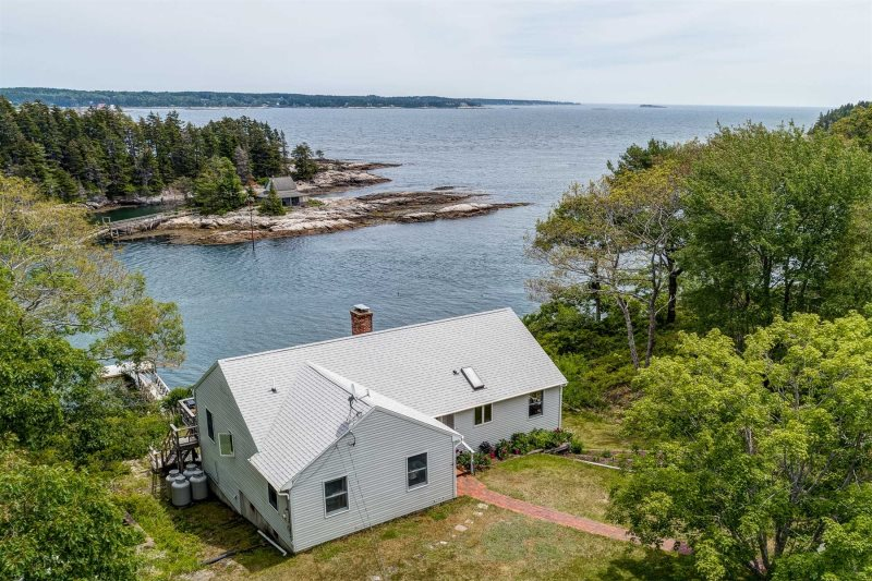 Merwick Cottage   Five Islands   Georgetown, Maine   Private