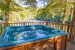 Enjoy The Hot Tub While Overlooking The Toccoa River