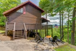 Yanasa Retreat - Blue Ridge Cabin Rental with Great Privacy and Wonderful Mountain Views
