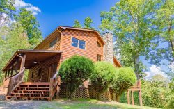 White Rock - Private and Secluded Blue Ridge Cabin Rental only 5 Minutes from Downtown Blue Ridge