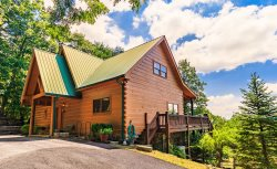 Soaring Eagle - Beautiful Year Round Mountain Views