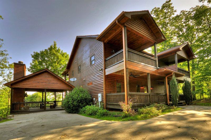 4BR Lagniappe Cabin | Cabin Rental in Blue Ridge, GA
