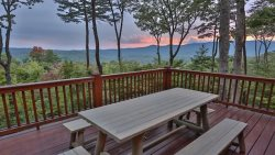 Eventide - Beautiful Mountaintop Cabin