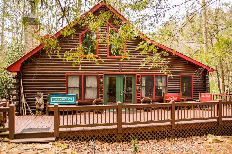 Big Creek Cabin Rental in Blue Ridge, GA