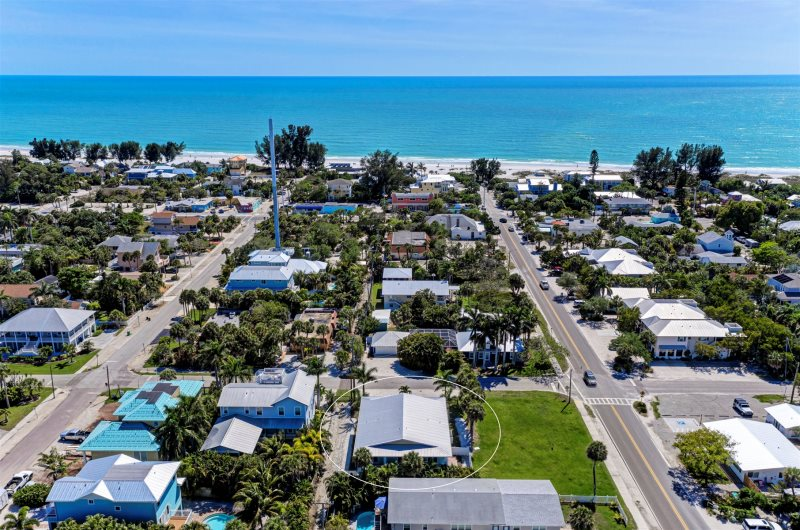 Fran Maxon Real Estate- Island Oasis- 94 North Shore Dr