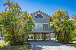 Salt Air & Sea Oats | 809 North Bay Blvd, Anna Maria