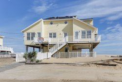Cooper`s Landing *OCEANFRONT* 3 stories with hot tub!
