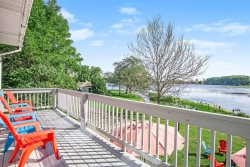 Lincoln Landing: Waterfront Downtown Douglas Home with Beautiful Views of the Water & Sunrise