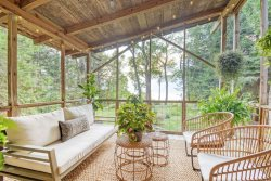Third Coast Cottage: Wooded Lake Michigan Waterfront Getaway Minutes from Downtown South Haven