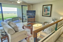 Air Conditioned!!! Panoramic Views overlooking the Pacific Ocean!