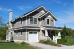 Large Back Deck, Private Balcony, 1/4 Mile From Beaches!