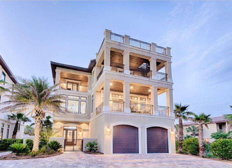 Swell The Splash Luxury Home Beach Reunion Vacation Home Rentals Home Interior And Landscaping Mentranervesignezvosmurscom