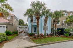 Beautifully RENOVATED TOP TO BOTTOM, Gated Community, Under 3 Min. Walk to Private Beach, Community Pool!